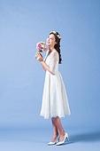 한국인, 여성, 신부 (결혼식역할), 결혼, 웨딩드레스 (드레스), 미소, 행복, 부케
