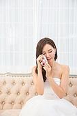 한국인, 웨딩드레스, 슬픔, 눈물, 헤어짐 (사랑의어려움), 신부 (결혼식역할)