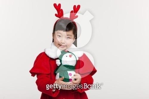 크리스마스를 기다리는 어린이
