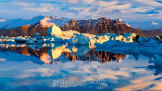 얼음의 나라, 아이슬란드