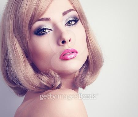 여자 모델컷 - 제스처