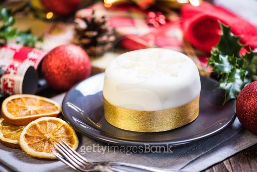 Christmas Cake & DEC 25