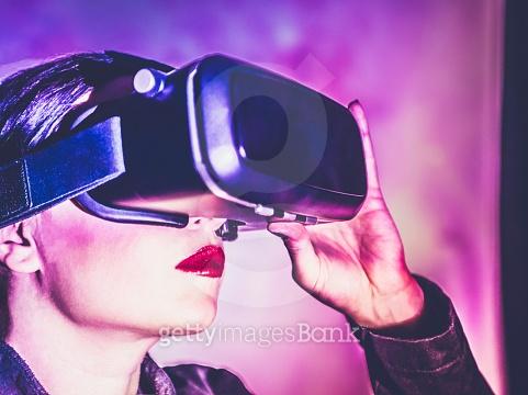 지금은 VR시대