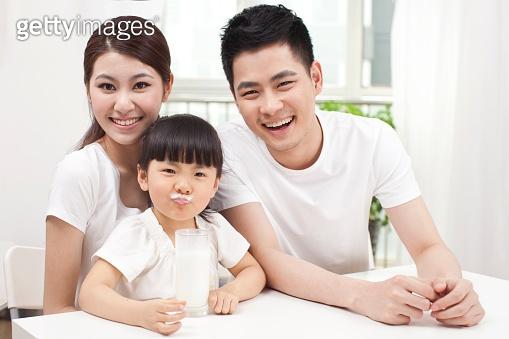 동양인 가족