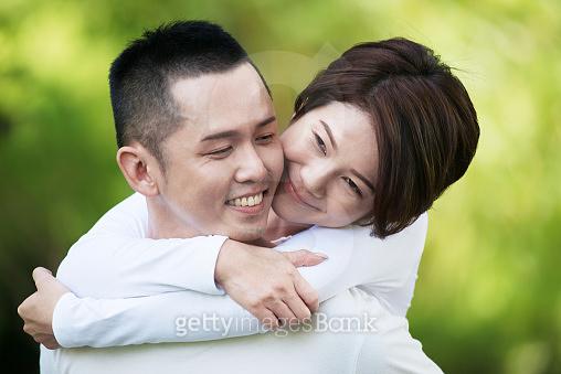 동양인 커플