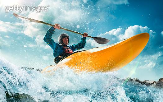Extreme kayaking sport