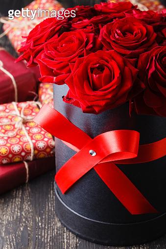 장미꽃, 성년의 날