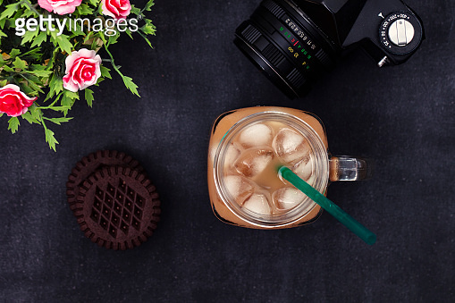 iced coffee with chocolate creamy biscuits