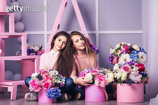 Friend, flower basket