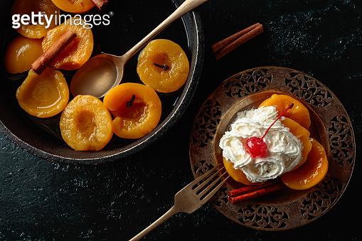 Peach dessert with cinamon