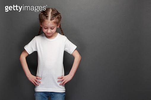 Kid girl wearing white t-shirt