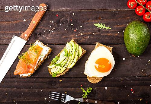 Bruschettas with avocado