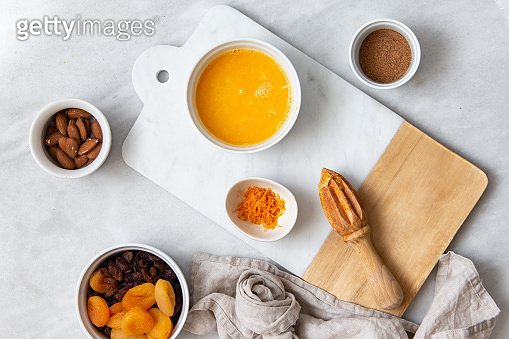 oranges and citrus squeezer