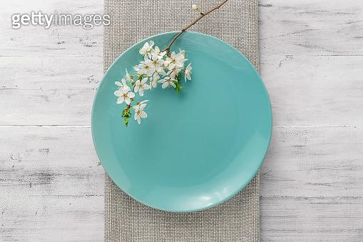 Spring table set