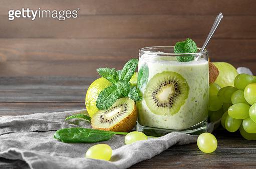 신선한 초록과일