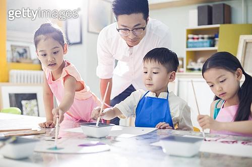 유치원생 미술수업