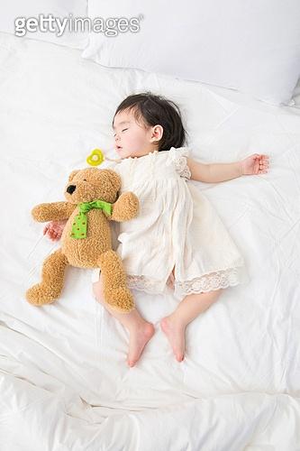 꿈꾸는 아기