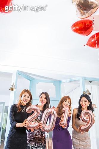 여성, 파티, 연말파티, 드레스, 즐거움, 친구 (컨셉), 2019년