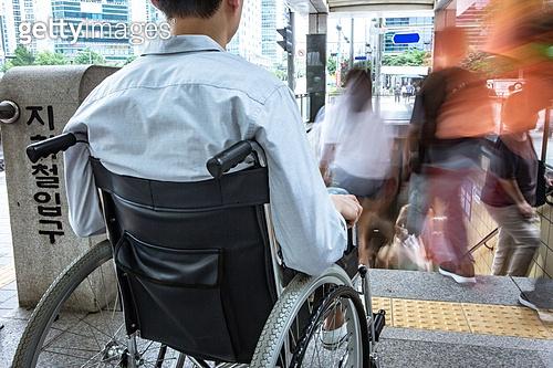 장애인 교통장벽