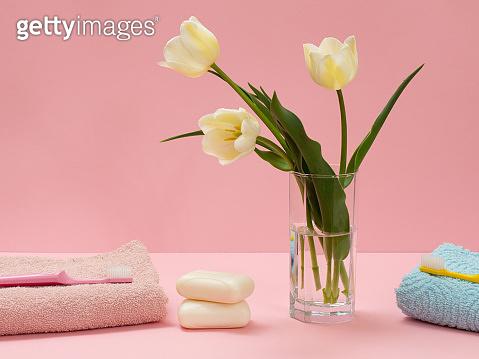 꽃과 세면용품