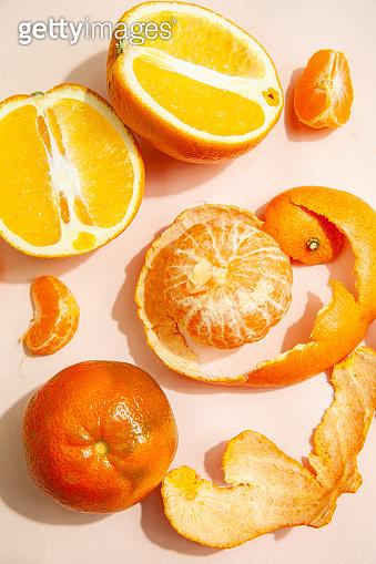 Tangerines and oranges in studio