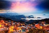 The seaside mountain town