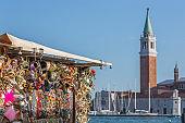 Souvenirs shop in Venise  with San Giorgio di Maggiore church