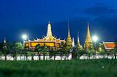 Wat phra keaw at night in Bangkok, Thailand.