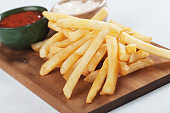 French fries with ketchup an mayonnaise