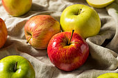 Raw Organic Assorted Apples