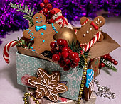 Gingerbread men with colorful Christmas decorations