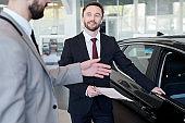 Seller representing a new car