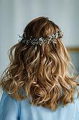 wedding hairstyle loose brunette hair