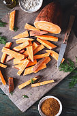 Patate Douce coupé en Bâtonnet pour le Repas