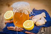 honey, ginger, cinnamon and lemon are natural ingredients