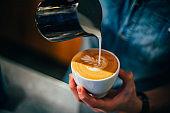 Make rosetta latte art