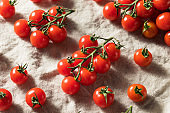 Raw Red Organic Cherry Tomatoes