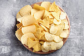 Potato chips on cutting board