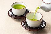 Pour green tea