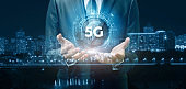 The 5G network connection concept .