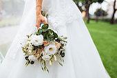 wedding flowers, bride holding beautiful flowers, decor
