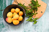 Apricots in bowl.