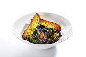 Blue Mussels in Cream Sauce with Spicy French Baguette