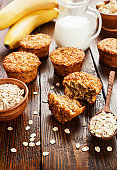 Oat muffins with banana