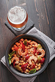 Shrimp with chickpea and beer