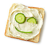 toasted bread with fresh cucumber