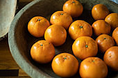 Oranges in the wooden tray