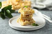 Lemon bars with streusel