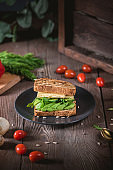 Sandwich with avocado and vegetables