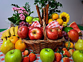 Delicious apples, red and green
